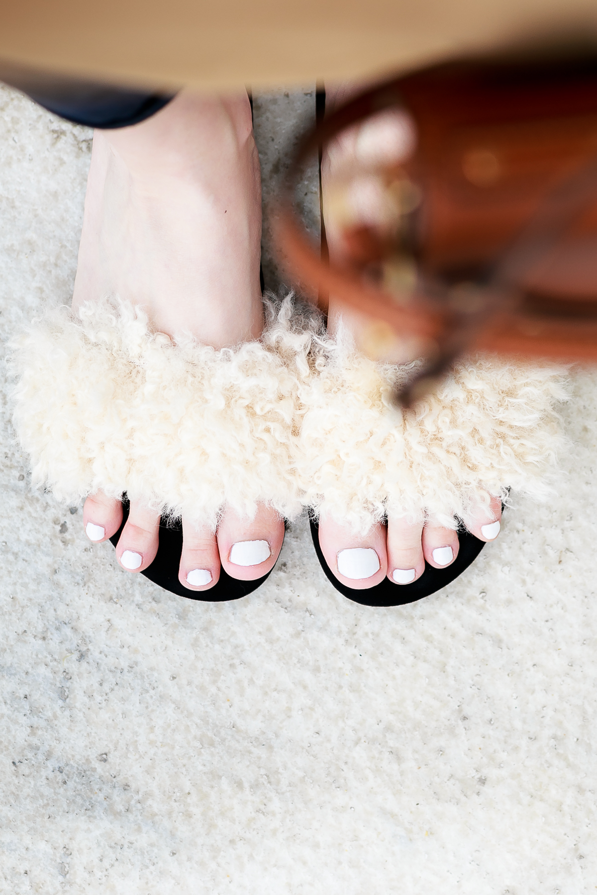 How to Get Out of Monochrome Rut feat. Chloe Nile Bag and Zara Furry Slides | EdgyCuts